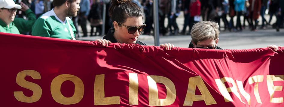Demonstrationståg - Solidaritet och socialism - första maj i Umeå 2016